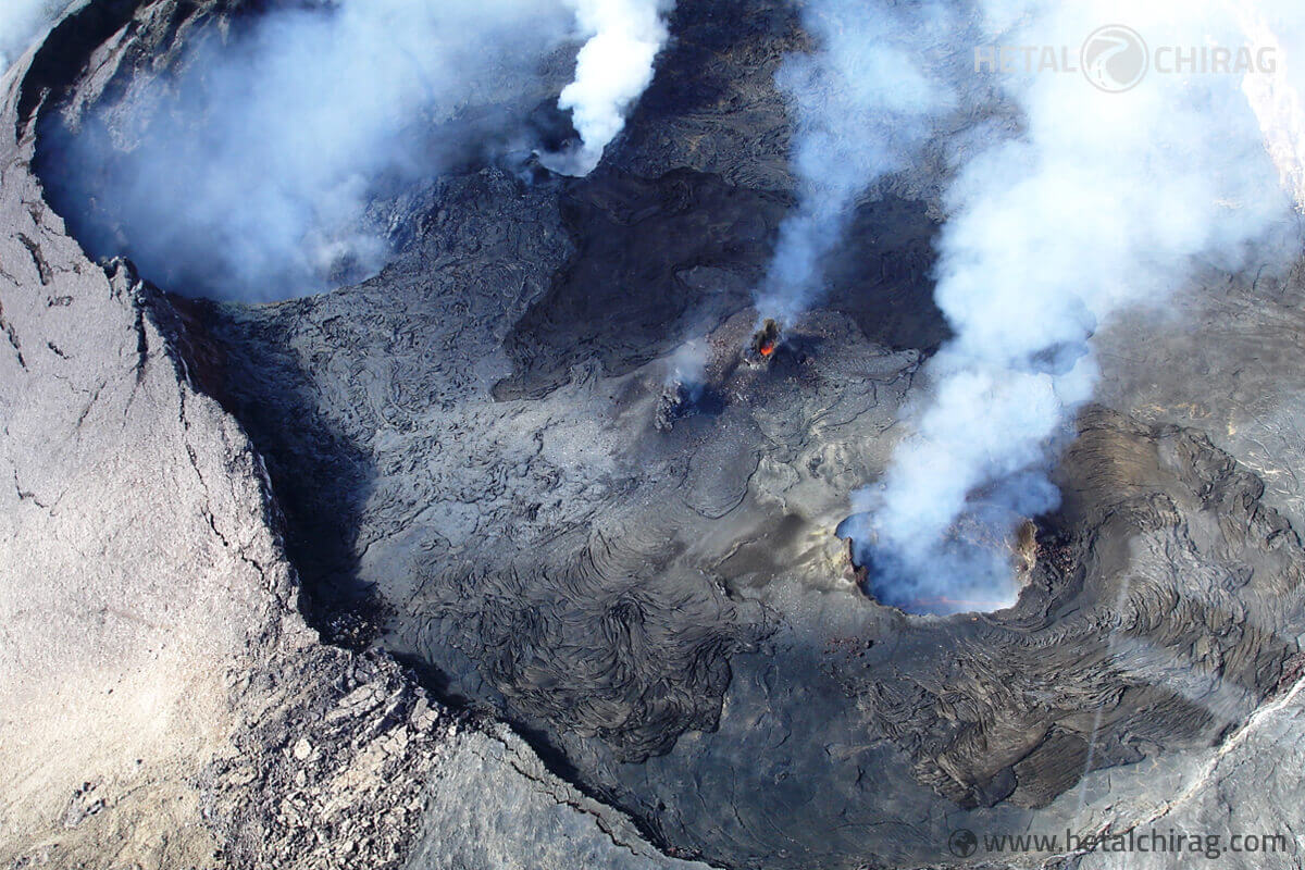 Volcano-Helicopter-Tour,-Big-Island,-Hawaii